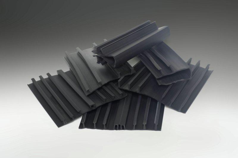 Утепление швов кладки блоков